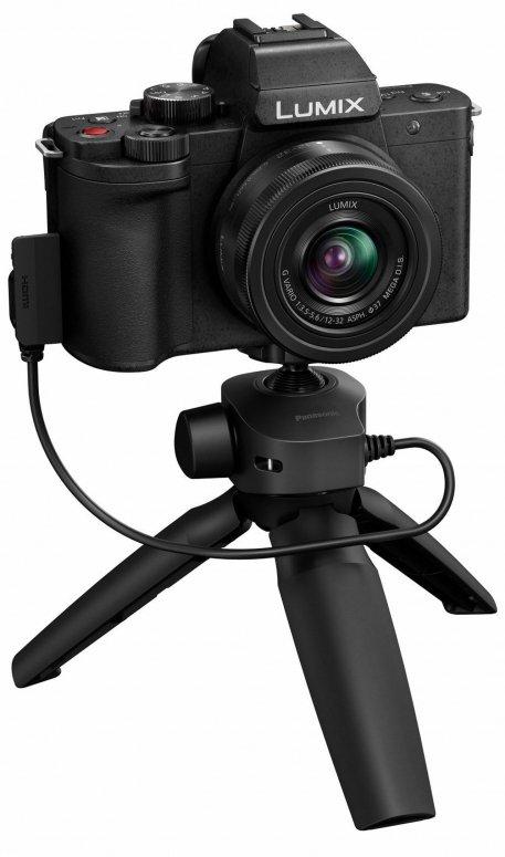 Die neue Vlogger Kamera von Panasonic  DC-G110 mit Stativ Griff